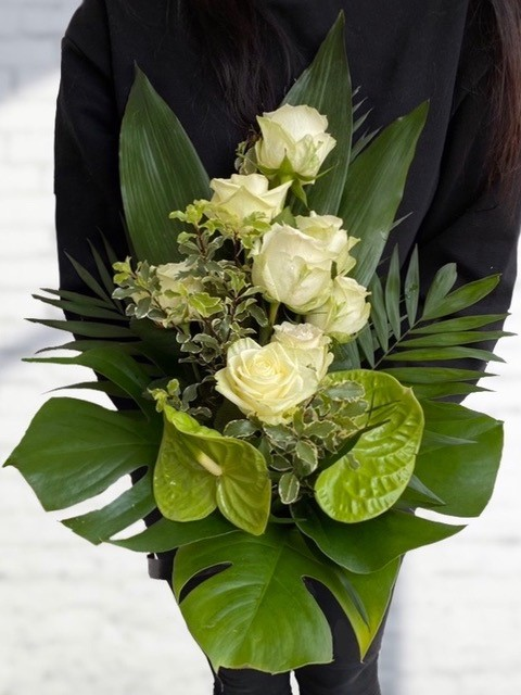 Smuteční kytice Premium, lineární vazba do výšky