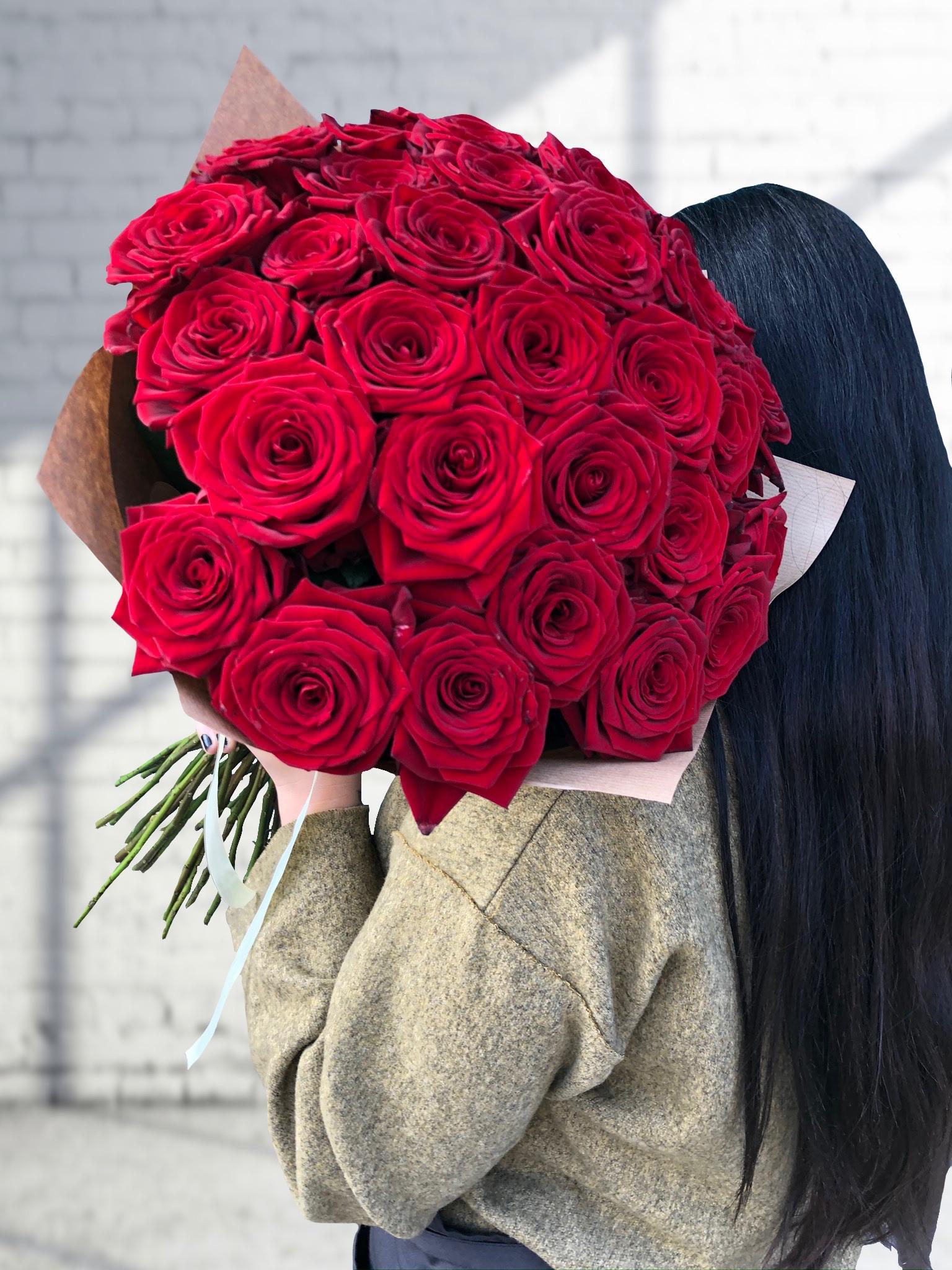 Kytice prémiových červených růží 70 cm