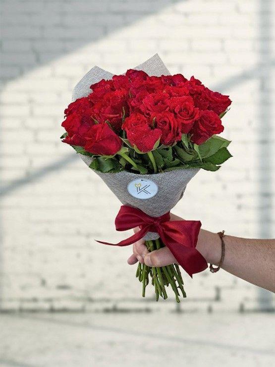 Kytice malých růží, třeba na stůl