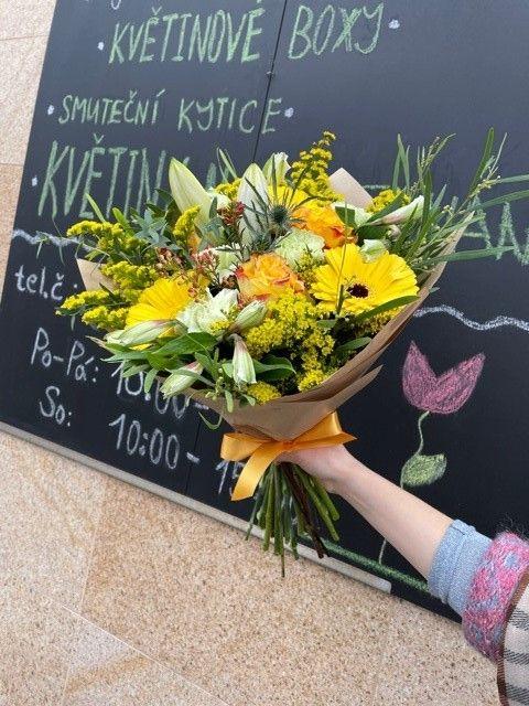 Žlutá kytice pro doručení po Praze