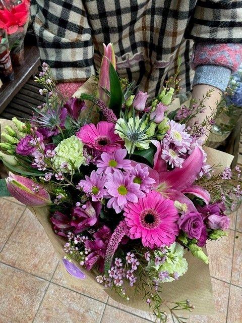 Čerstvé vázané kytice