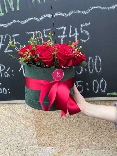 Flowerbox z čerstvých růží