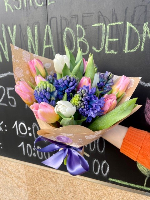 Kytice tulipánů a hyacintů Praha