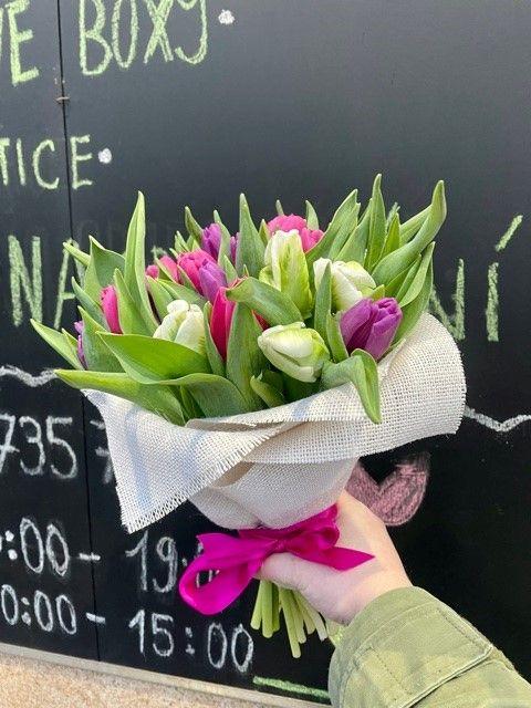 Kytice tulipánů poslat kytku Praha