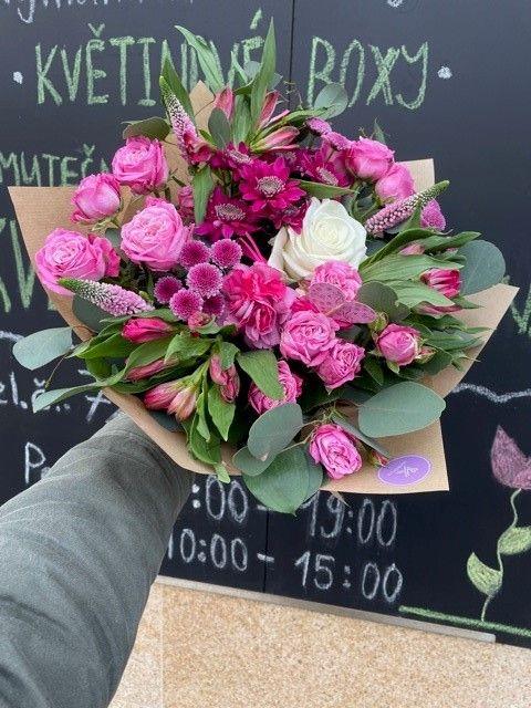 Růžová kytice květinářství Praha 10 Strašnice