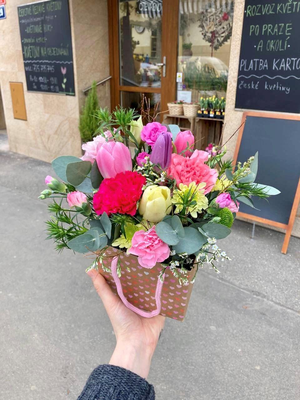 Květinová krabička flowerbox z květinářství Praha