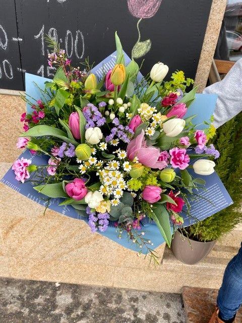 Sezonní kytice květinářství Praha online
