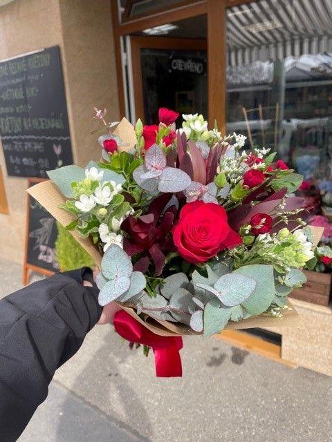Online květiny červená kytice