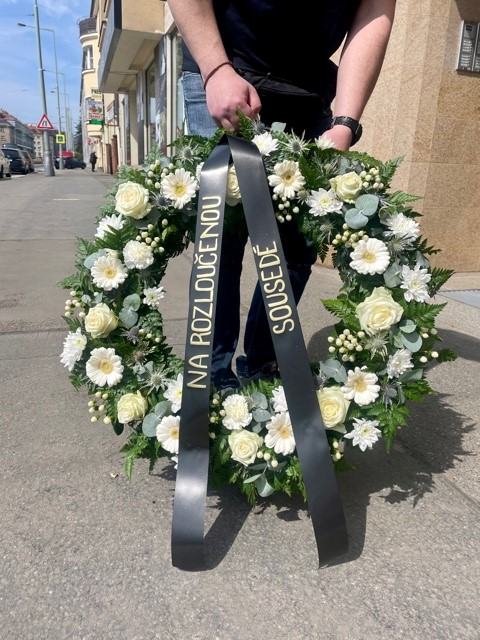 Smuteční a pohřební věnce online Praha