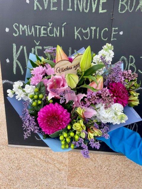 Donáška květin po Praze a okolí