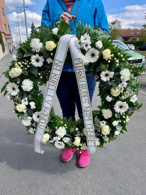 Pohřební věnec