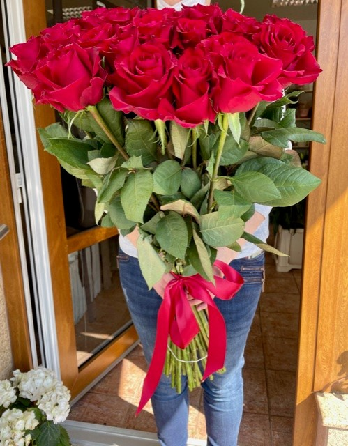 Kytice růží rozvoz