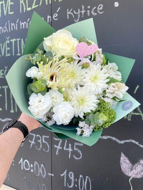 Zelená kytice z květinářství Strašnice