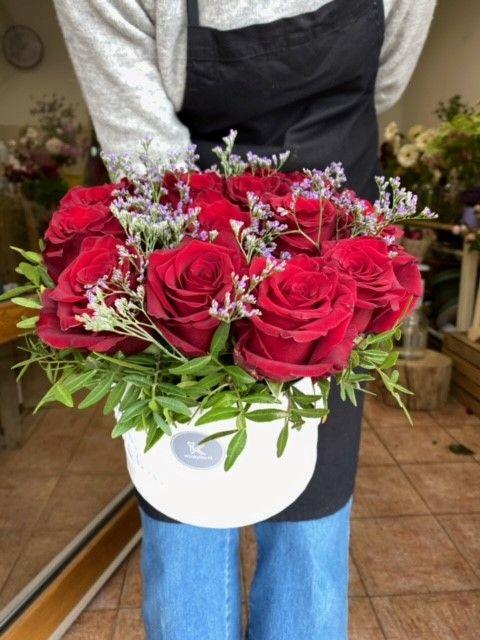 Květinový box z rudých růží