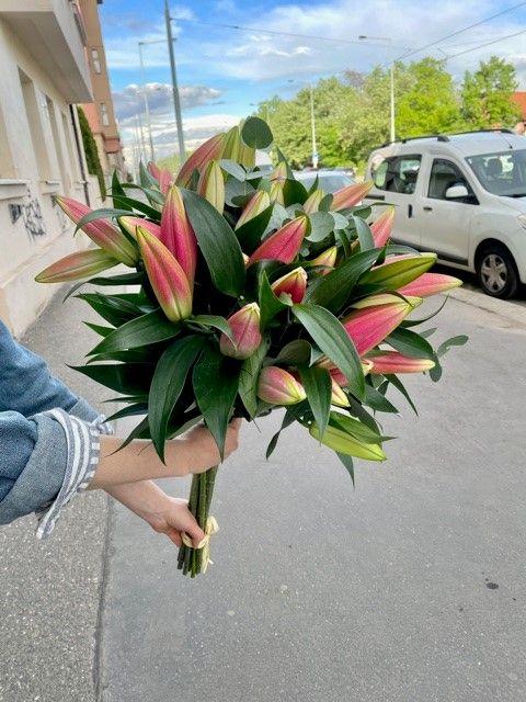 Kytice lilií online Praha