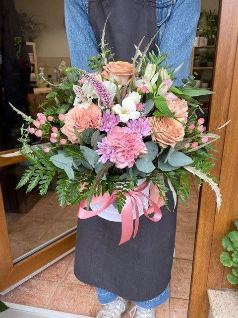 Květinová krabička z pražského květinářství online