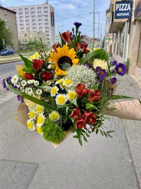 Sezónní květiny online Praha
