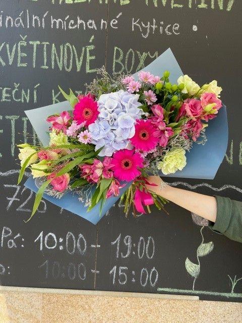 Kytice s hortenzií květinářství Praha
