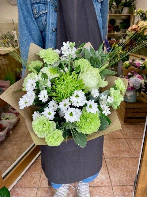 Zelené květiny v kytici