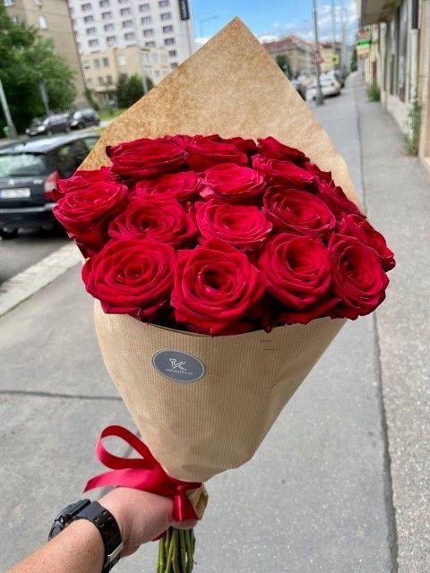 Puget růží z onlikvětinářství Praha