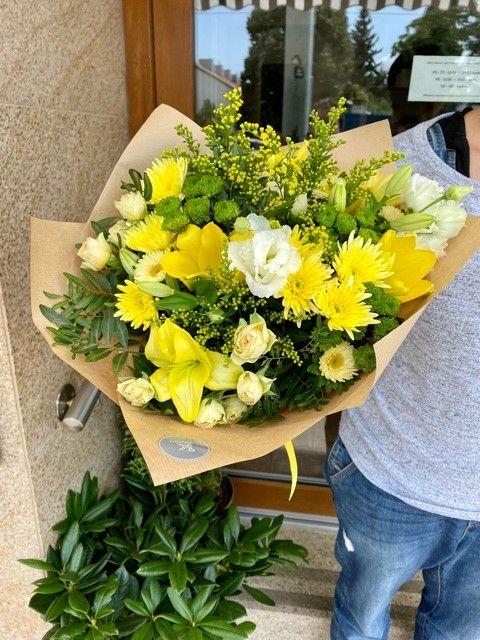 Žlutá kytice květinářství Praha
