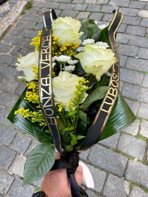Smuteční květiny na položení Praha