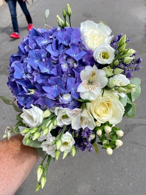 Modrá kytice z online květinářství Praha