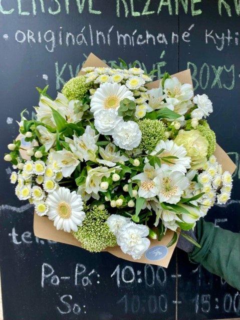 Zelená kytice z online květinářství Praha