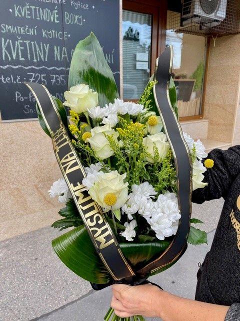 Smuteční a pohřební kytice na položení online Praha