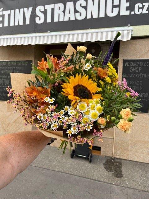 Kytice na objednání online z květinářství Praha