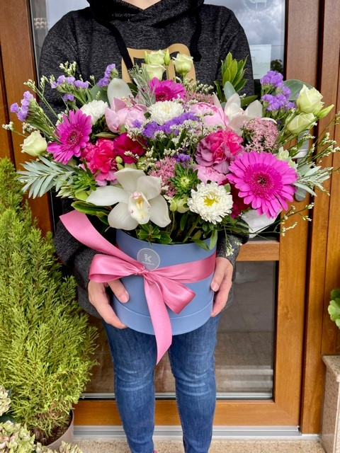 Květinová krabička z květinářství Květiny Strašnice