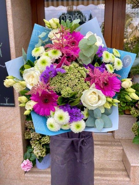 Barevná kytice z online květinářství Praha