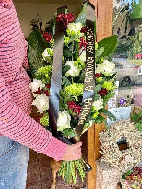 Květiny Strašnice - smuteční kytice na položení