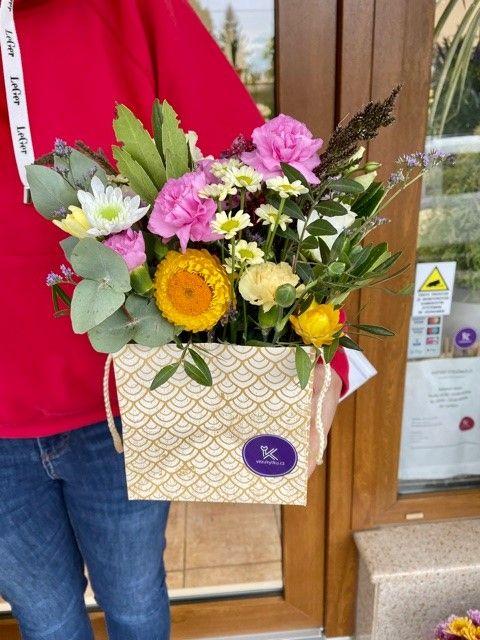 Květinová krabička květinářství Květiny Strašnice
