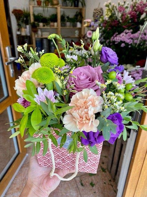 Květinová taštička z květinářství Praha