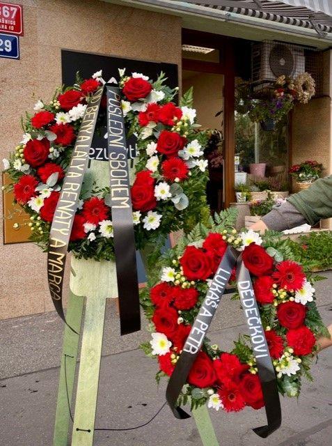 Smuteční a pohřební věnce