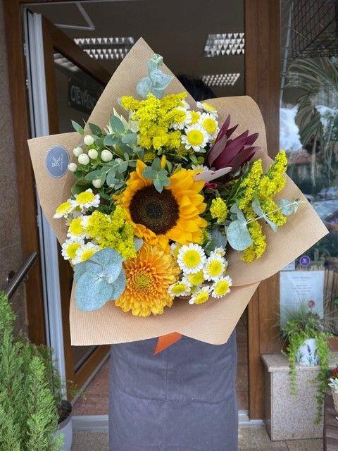 Kytice květin z pražského květinářství