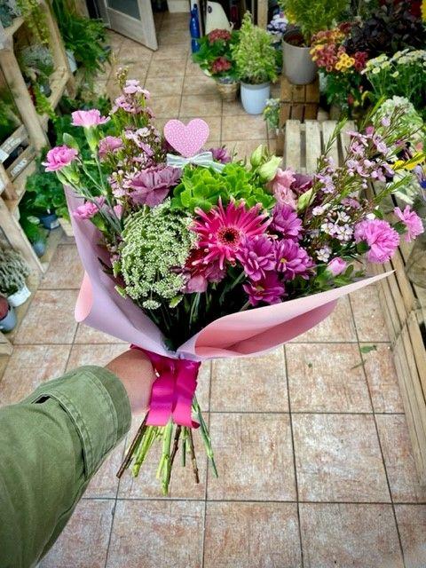 Květiny s hortenzií rozvoz Praha