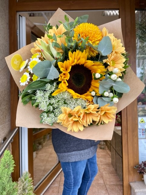 Kytice žlutých květin online květinářství