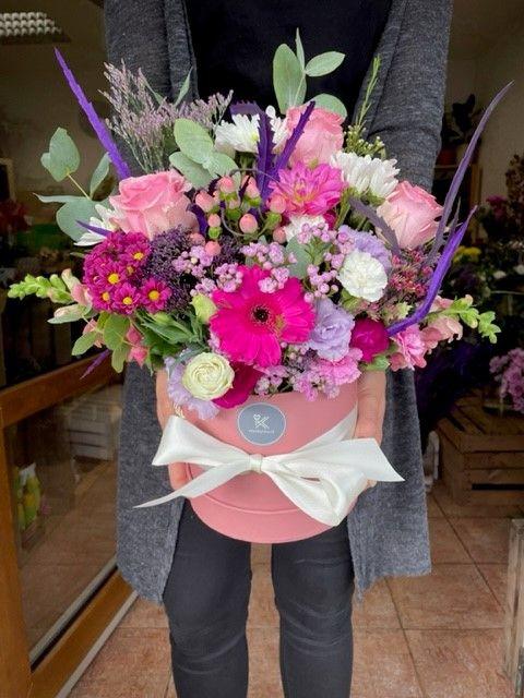 Květiny z květinářství v krabici online