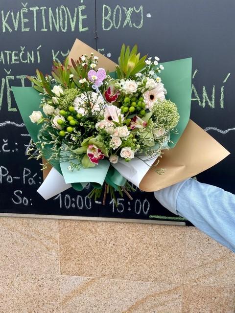 Kytice z květinářství Květiny Strašnice Praha